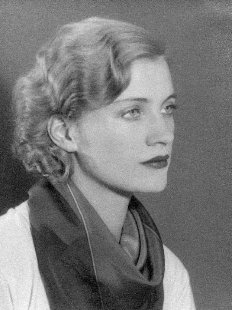 Lee-Miller-Self-portrait-Parigi-1930